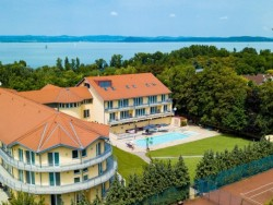 Holiday Resorts  Balatonszárszó