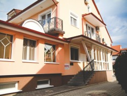 Penzion a apartmánový dům Eva Sárvár